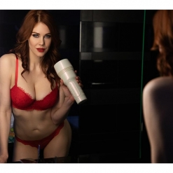 Fleshlight Girls - Maitland Ward Tight Chicks